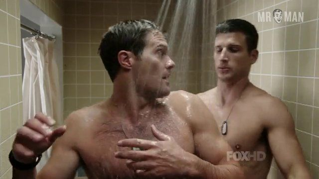 Enlisted 01x03 young stults hd 01 frame 3