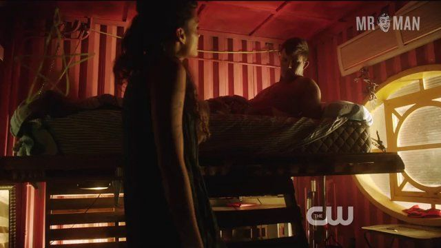 Starcrossed 01x03 lanter hd 01 frame 3