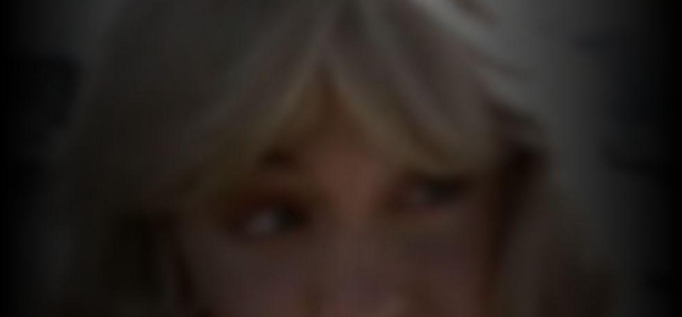 Harmon  nackt Deborah Angie Harmon