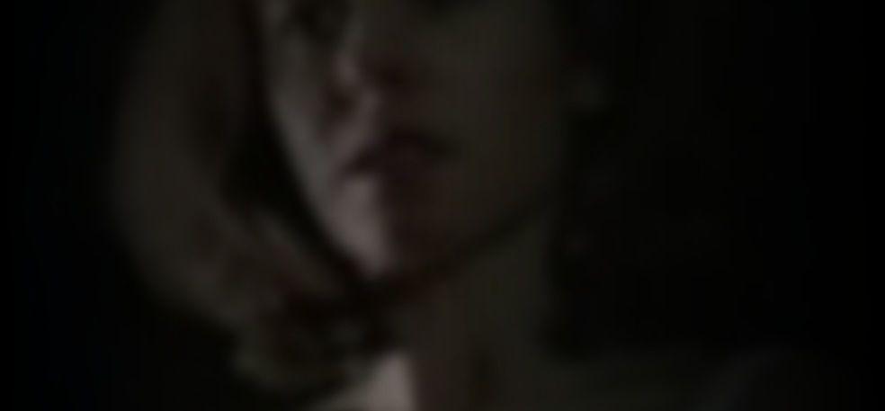Rebecca Pauly  nackt