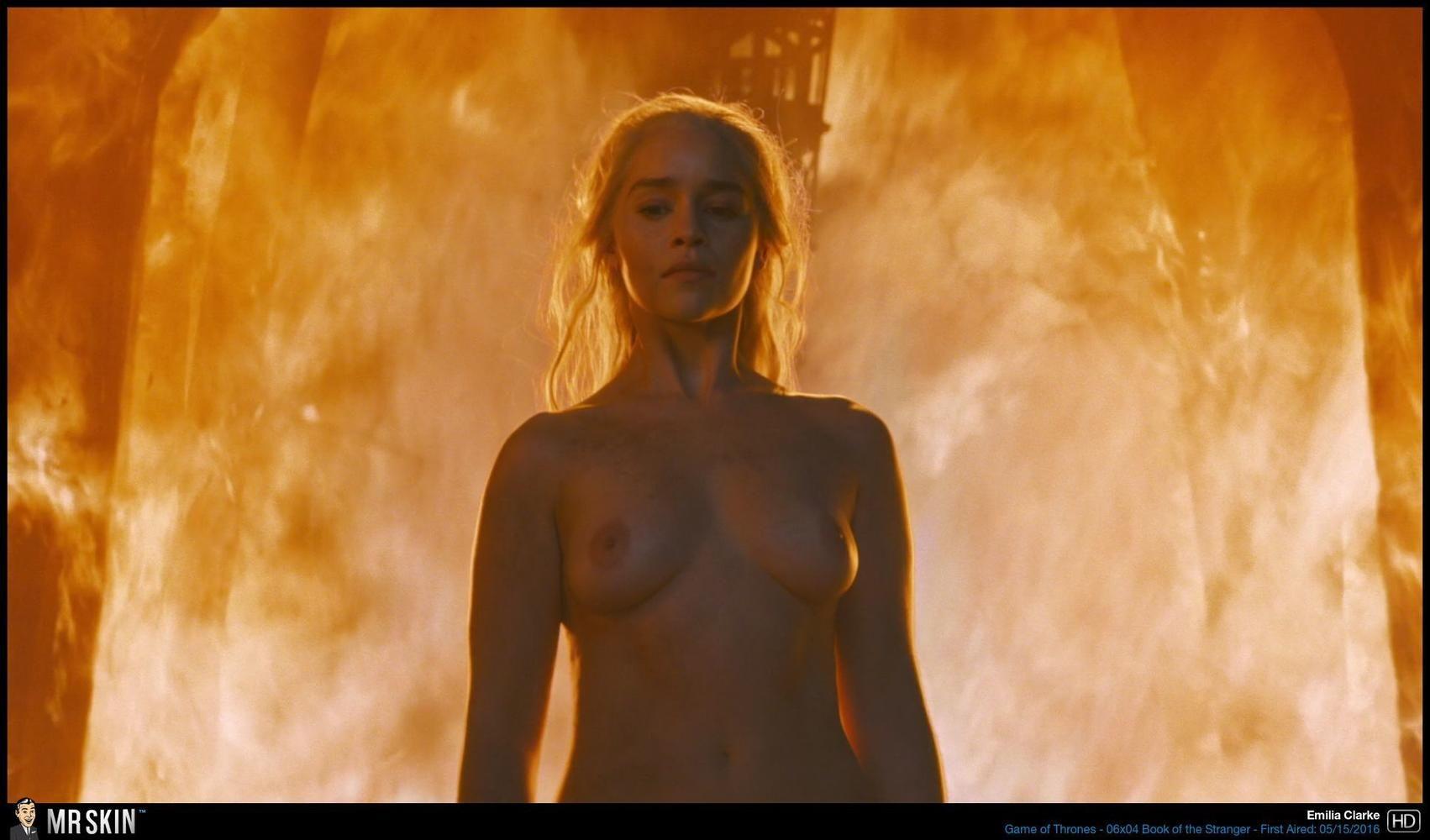 Topless Evil Queen Nude Pictures